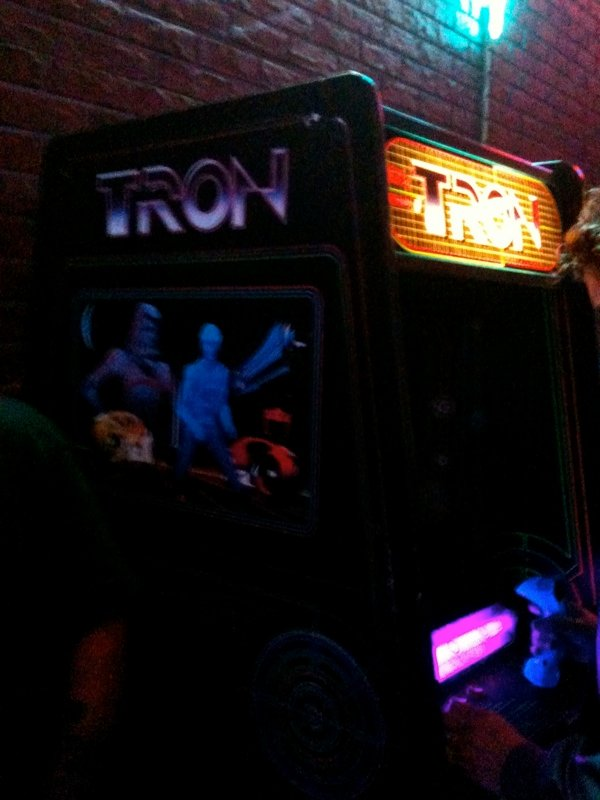 Comic Con: Flynn Lives And He's Reopened His Arcade! #1651