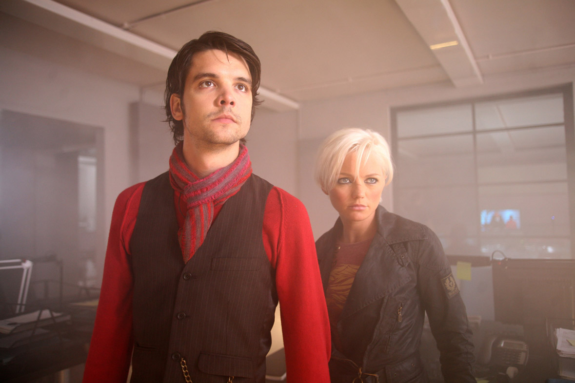 Andrew-Lee Potts gets excited about Primeval II