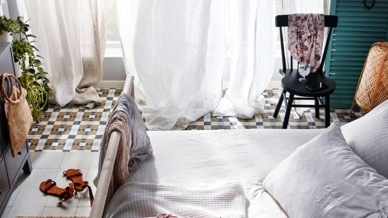 can't sleep: stylish bedroom set-up