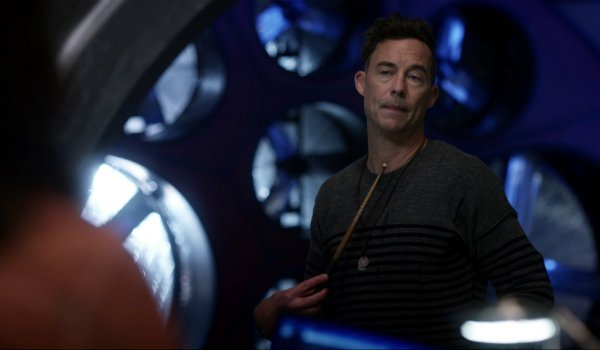 Tom Cavanagh As H.R. Wells In The Flash Season 3