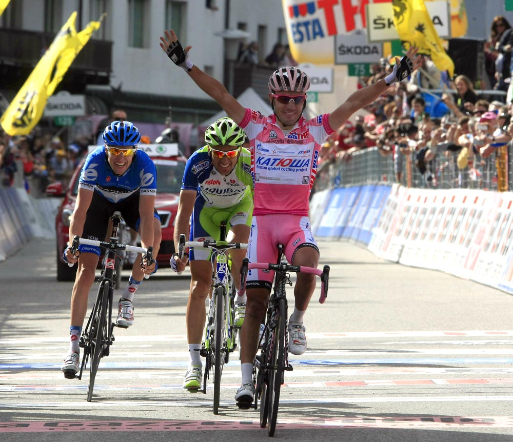 Rodriguez wins stage to consolidate Giro lead