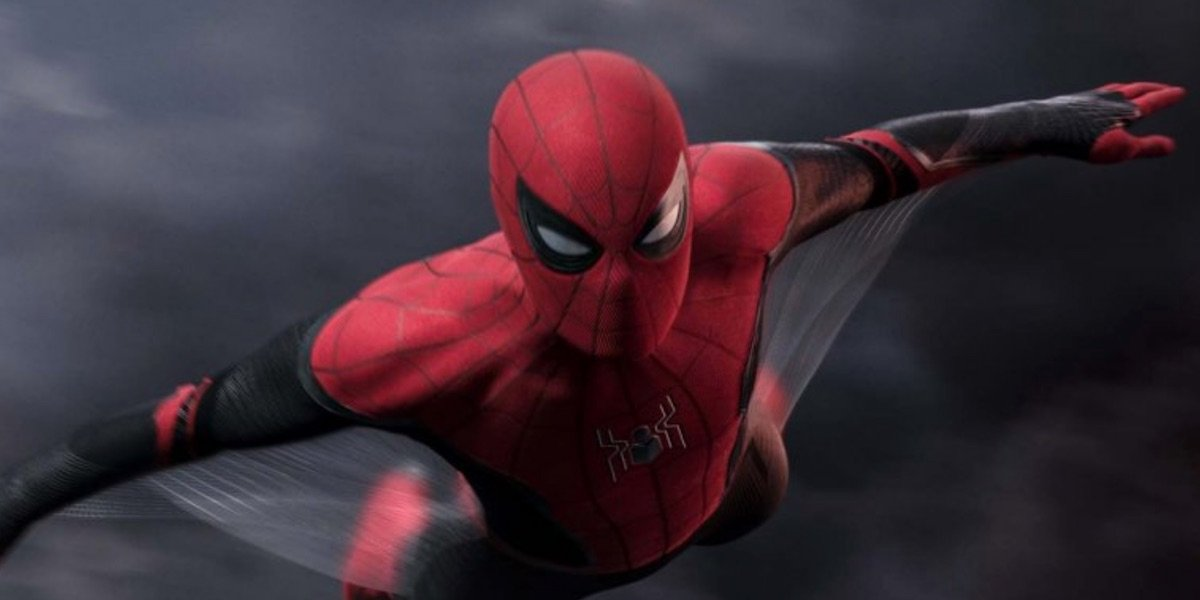 Spider-Man gliding in Far From Home