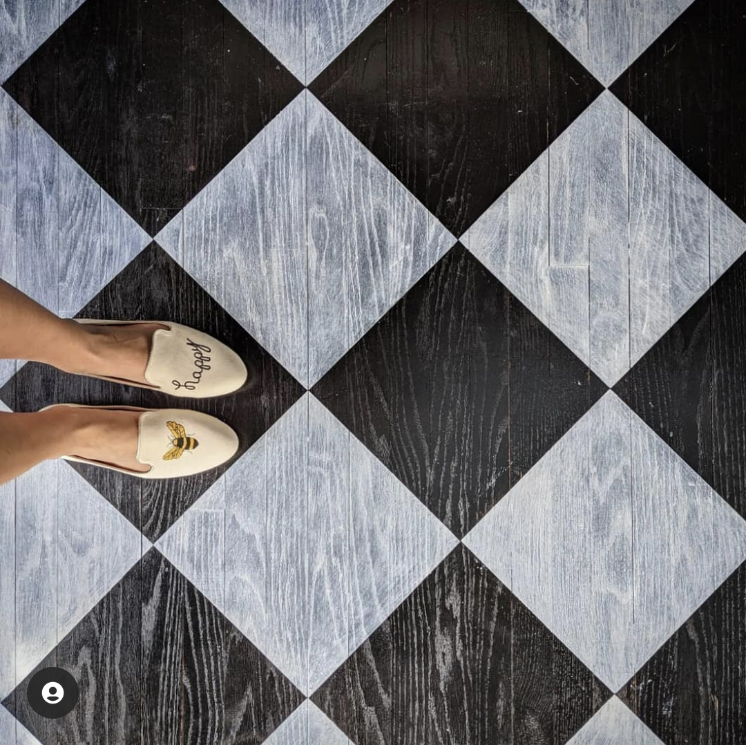 How to paint classic checkerboard floors