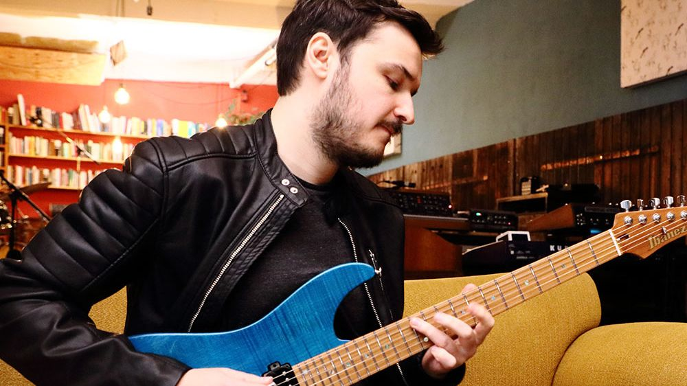 Watch Ibanez artist Martin Miller play the ultimate 80s guitar medley featuring Van Halen, A-Ha, Depeche Mode and Peter Gabriel songs