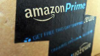 Amazon Prime-logon på en förpackning