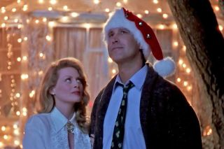 Chevy Chase and Beverly D'Angelo in 'National Lampoon's Christmas Vacation.