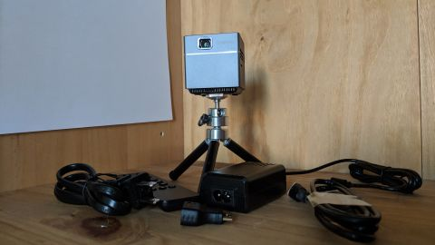 Alfawise X1 Mini DLP portable projector
