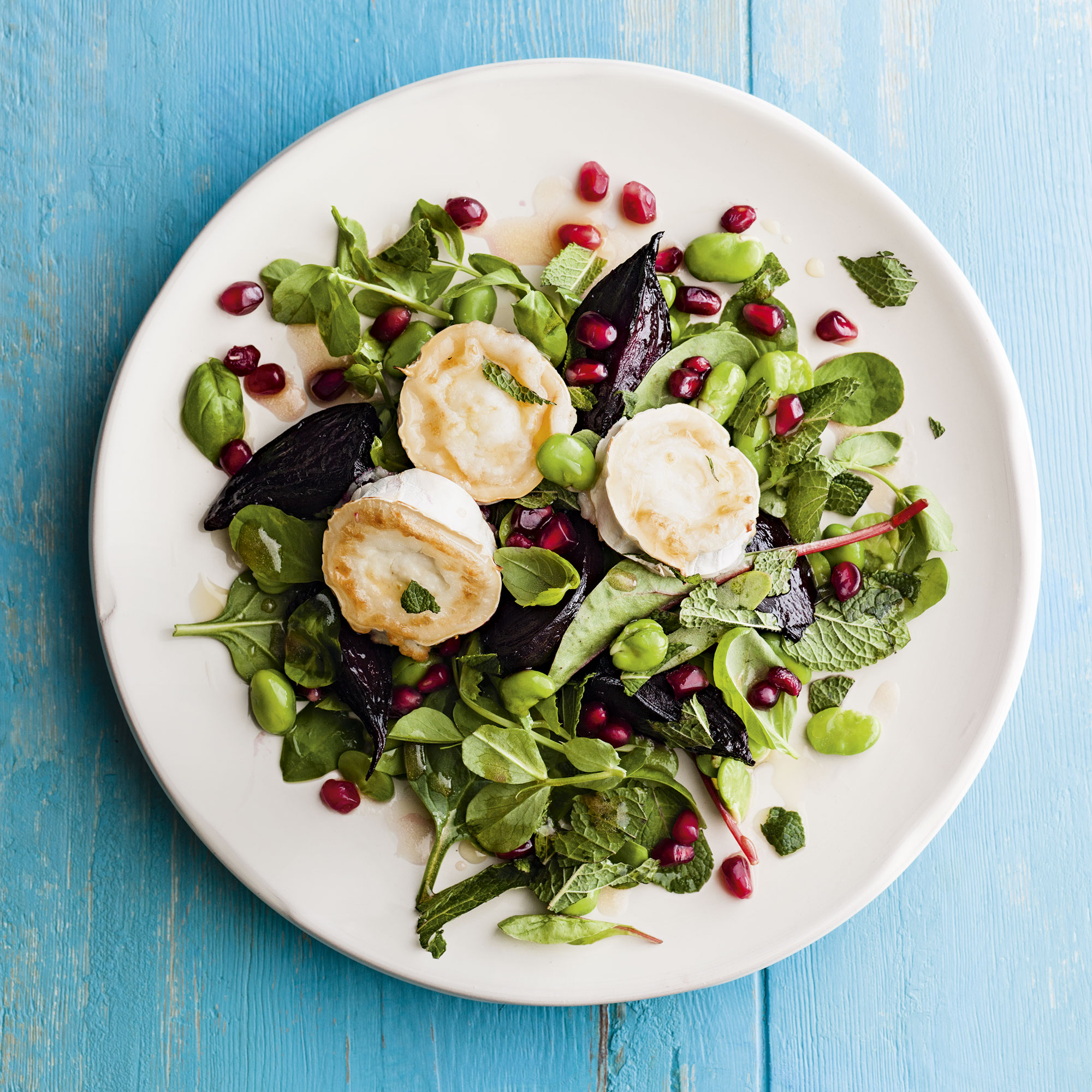 Beetroot and goat's cheese salad photo