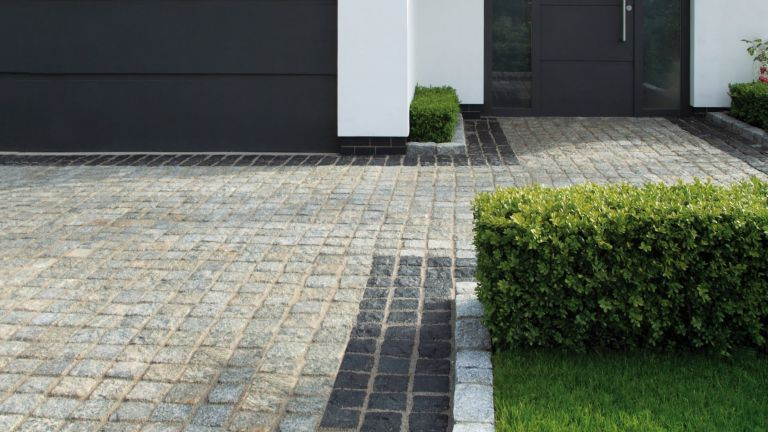 how to lay block paving with Stonemarket granite setts