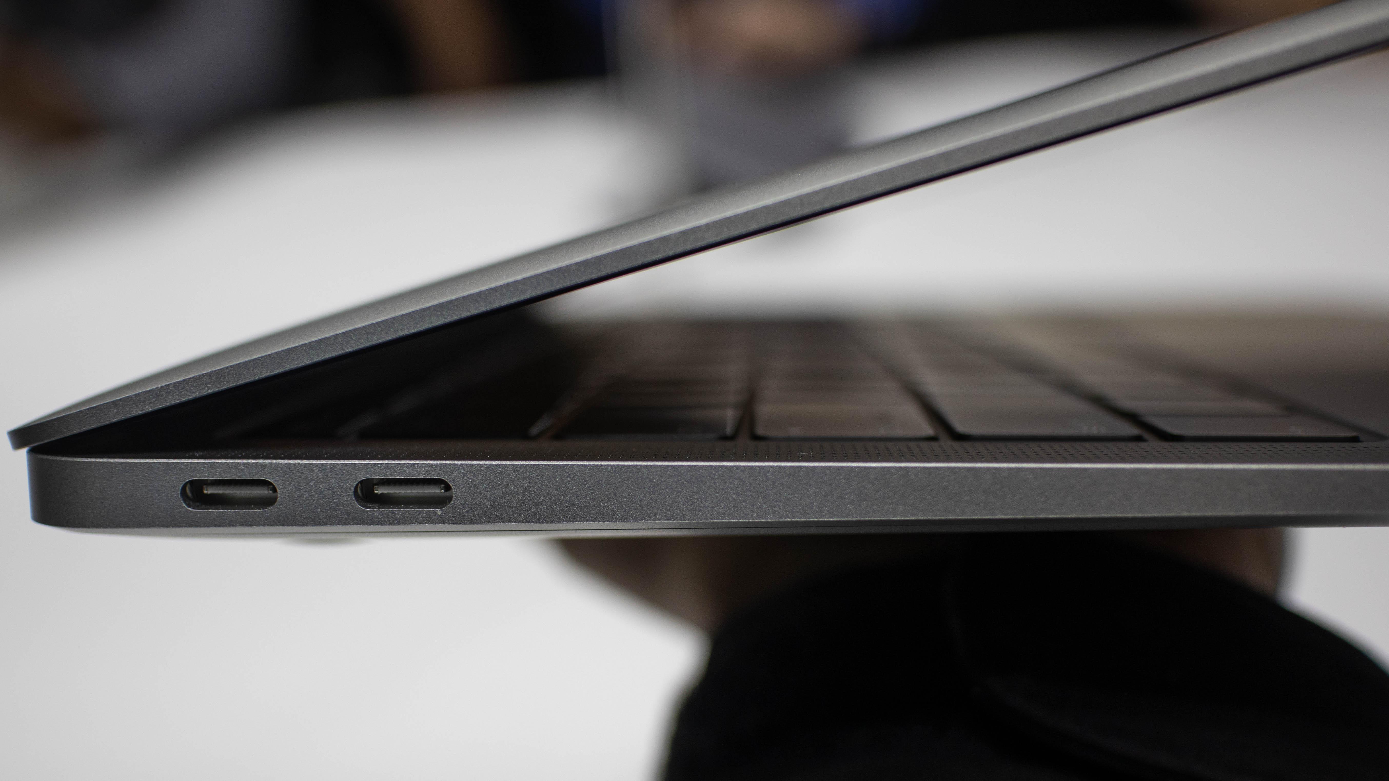 Apple releases macOS Mojave update to improve MacBook Air (2018