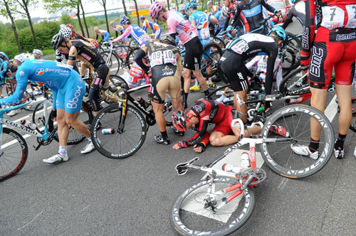 Crash, Giro d'Italia 2010, stage 2