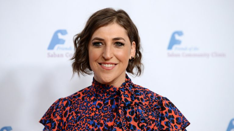 Actress Mayim Bialik arrives at the Saban Community Clinic's 43rd Annual Dinner Gala at The Beverly Hilton Hotel on November 18, 2019 in Beverly Hills, California.