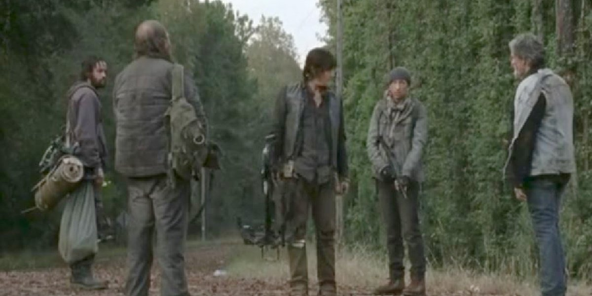 Daryl with the claimers in The Walking Dead Season 4.