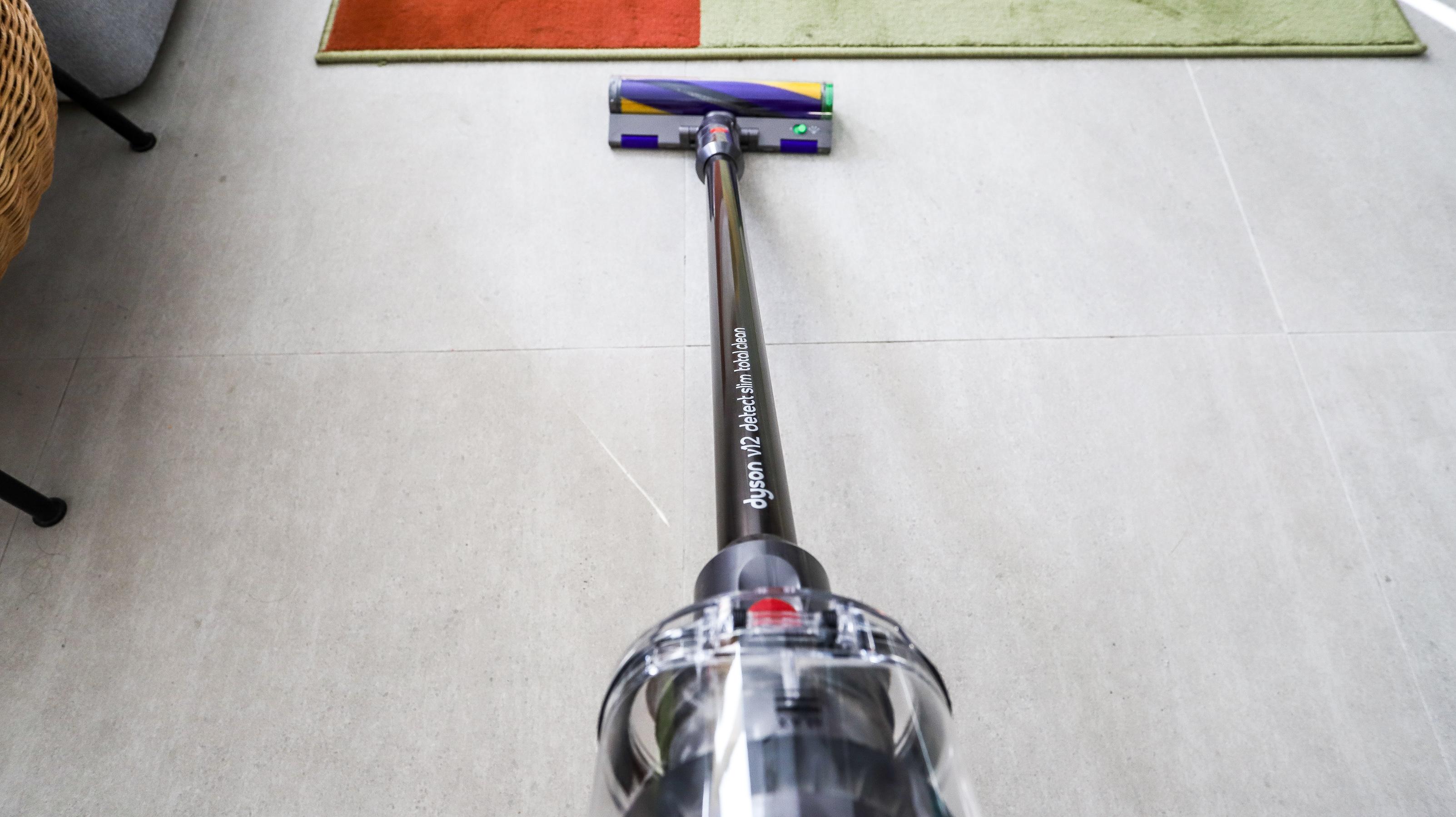 Dyson V12 Detect Slim branding on tube