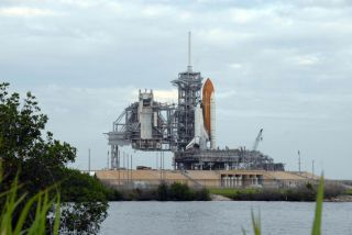Heat Wave Improves Shuttle Endeavour's Wednesday Launch Outlook