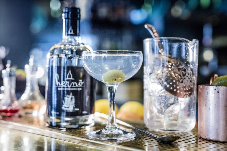 Hernö Dry Martini recipe cocktail