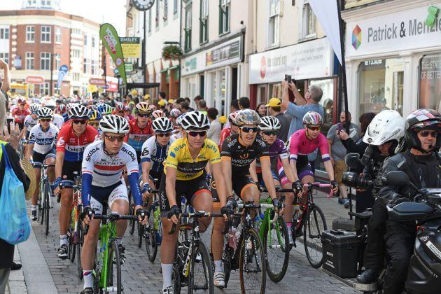 Braintree start, Women's Tour 2015, stage two