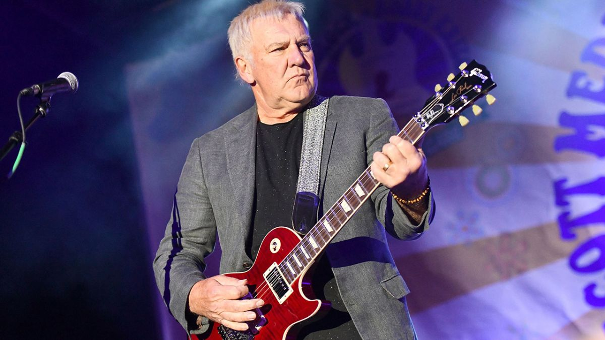 Rush guitarist Alex Lifeson reveals two brand new songs