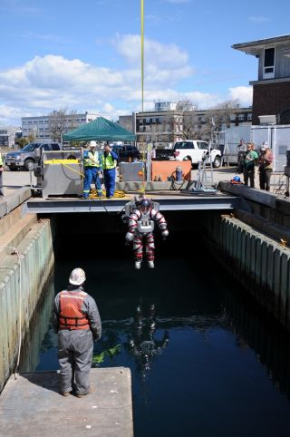 Operators can quickly haul the Exosuit up from hundreds of feet below the surface.