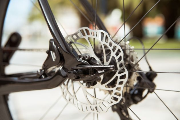 Riders react to UCI's disc brake suspension