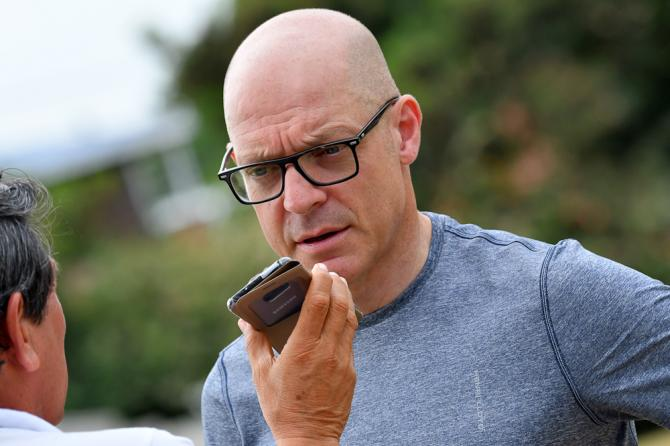 Team Sky manager Dave Brailsford is on hand for Colombia oro y Paz
