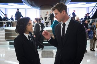 Tessa Thompson and Chris Hemsworth in Men In Black: International.