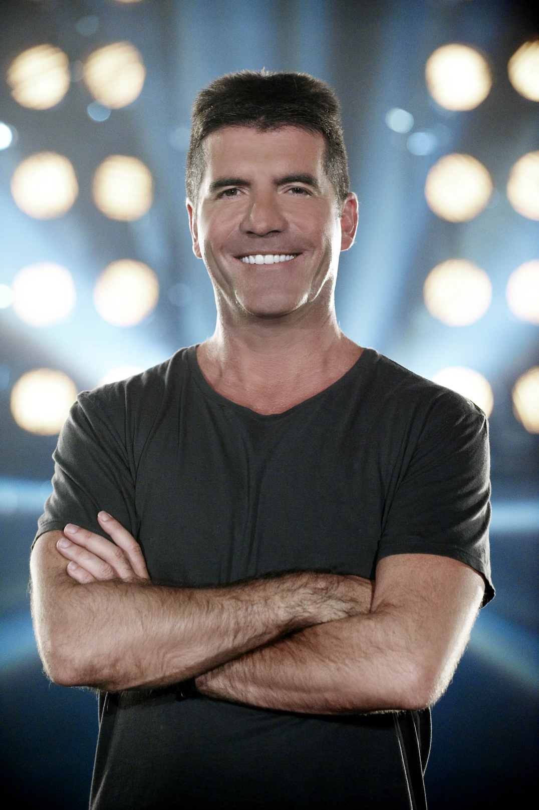 Cowell 'embarrassed' by X Factor leaks (VIDEO)