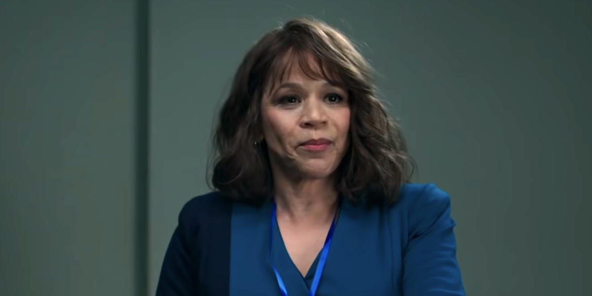 Why The Flight Attendant's Rosie Perez Originally Didn't Want To Join Kaley Cuoco's New Show