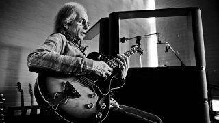 Steve Howe is Kisser's musical hero