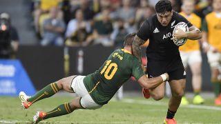 All Blacks player escapes Springboks tackle