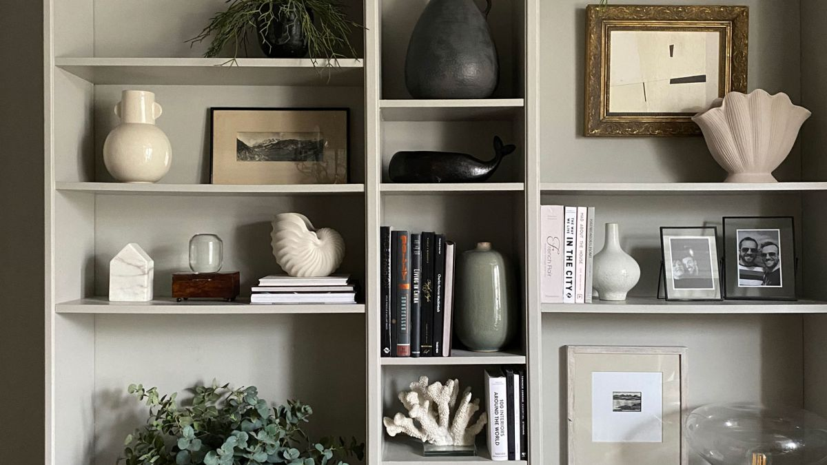 See how a DIY fan transformed the IKEA Billy bookcase into a gorgeous living room display