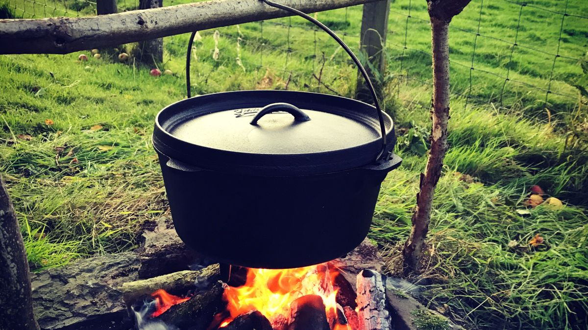 Camp cooking: how to cook over a campfire