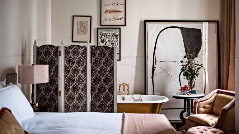 NoMad Hotel London bedroom suite