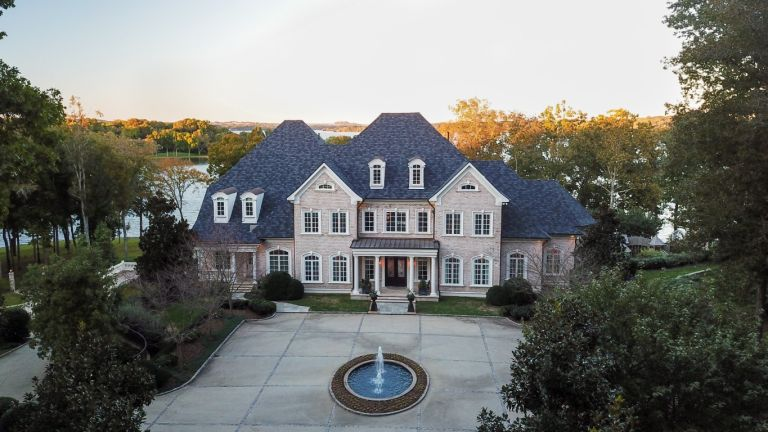 Kelly Clarkson house Tennessee