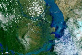 : myanmar, burma, Irrawaddy river, flooding, flood photos, monsoons, monsoon rain, nasa earth observatory, extreme weather, tropical storms, cyclone komen