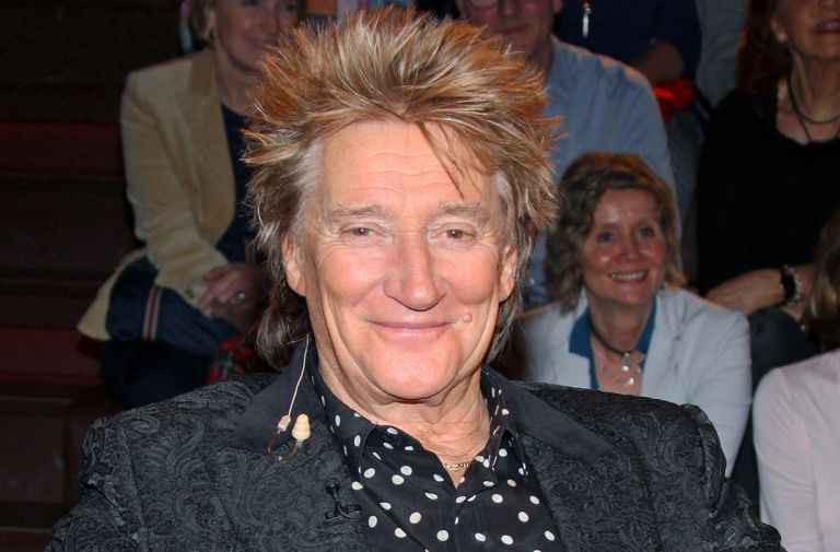 rod stewart reveals prostate cancer battle