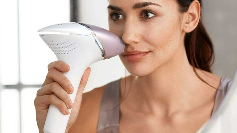 Philips Lumea Prestige IPL Cordless Hair Removal Device