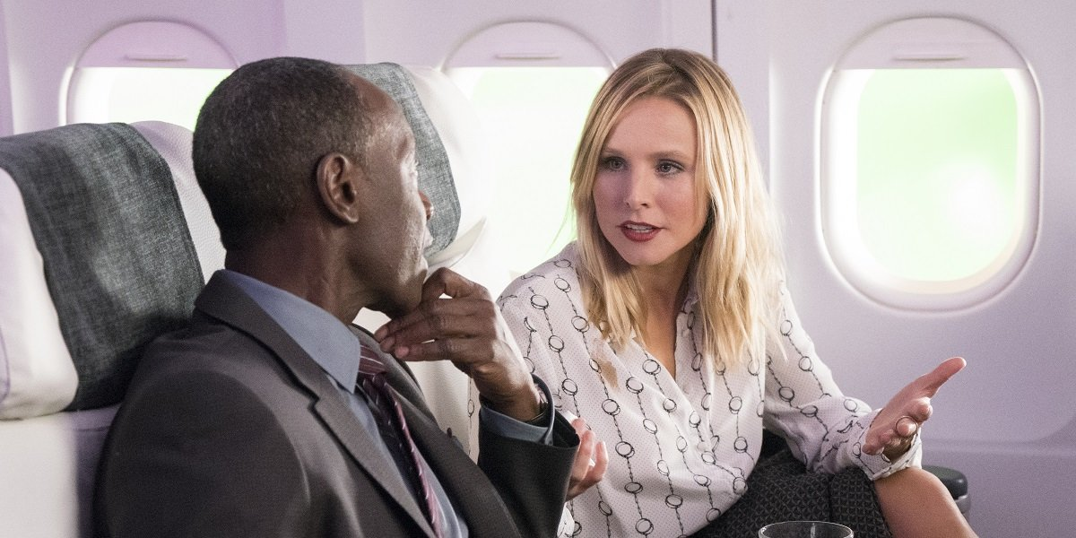 Kristen Bell and Don Cheadle in House of Lies