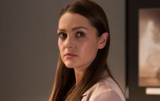 Sienna terrifies Joel and Cleo by playing a cruel trick on them