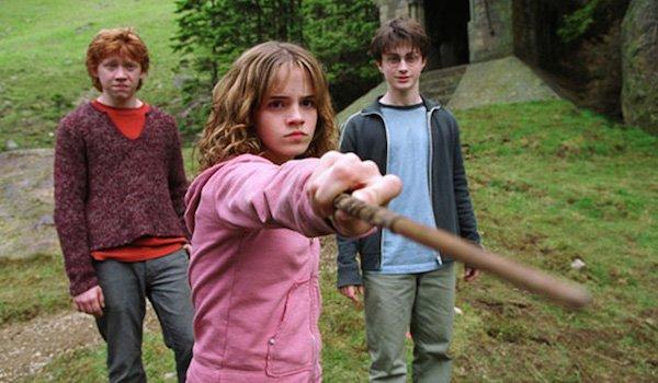 emma watson uses wand harry potter and the prisoner of azkaban