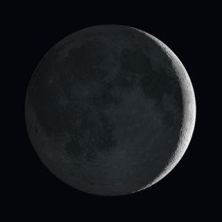 moon earthshine reflected light