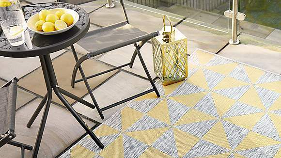 Save on this Dunelm indoor outdoor rug