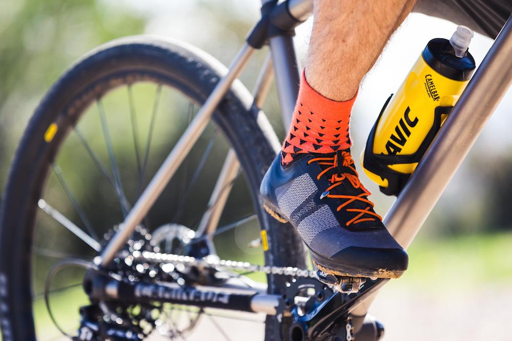 lightweight two-bolt shoes