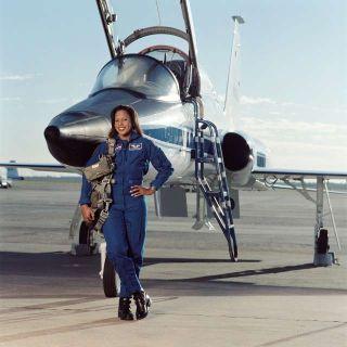 Astronaut Biography: Joan E. Higginbotham