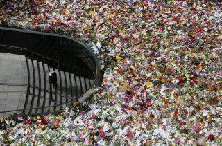 flowers, grieving, mourning, Sydney hostages
