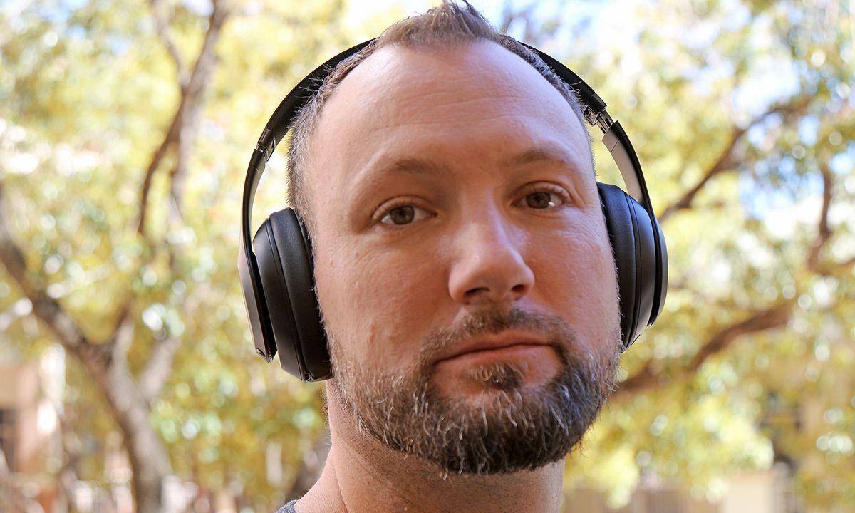 Beats Studio3 Wireless Headphones Review: Big Bass, Minor