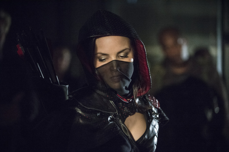 Arrow Season 2 Finale Trailer And Photos Show Heroes, Tension And Big Trouble For... #31270