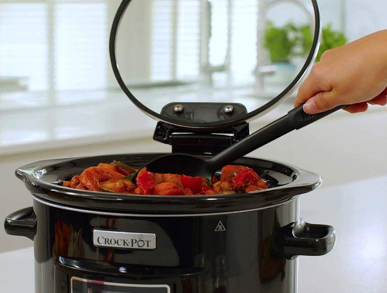 Best slow cooker: Crock-Pot Lift & Serve Digital Slow Cooker