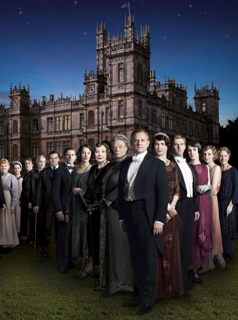 Cast photo for Downton Abbey Series 3