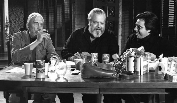 The Other Side of The Wind John Huston Orson Welles Peter Bogdanovich chatting over some Fresca